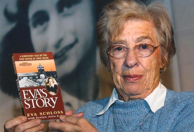 Eva Schloss com o seu primeiro livro.